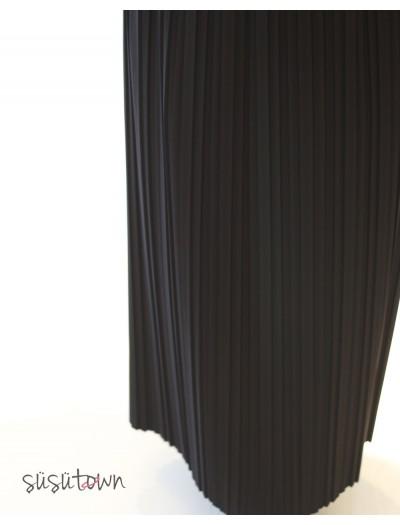 Plise Etek Siyah